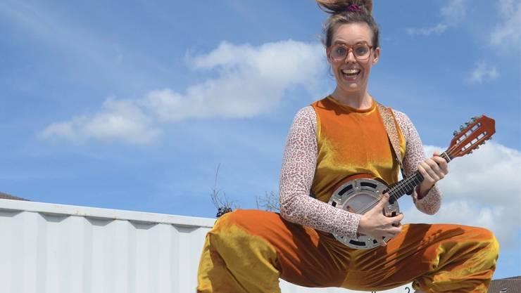 Roxane Kalt absolvierte die bekannte Clownschule Dimitri im Tessin.