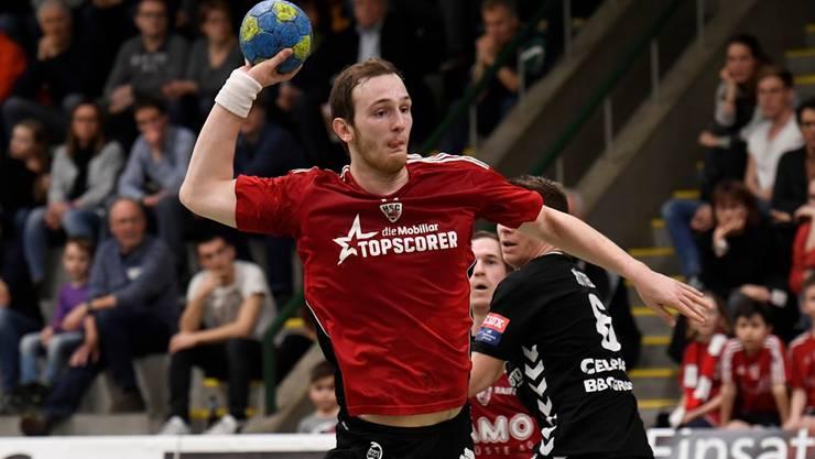 Da war die Nase noch ganz: HSC-Topskorer Tim Aufdenblatten im Abschluss.