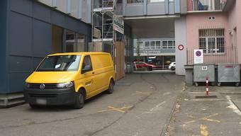 Thumb for 'Olten (SO): Zwei Maskierte überfallen Geldtransport - Täter auf der Flucht'