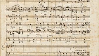Im Jahr 1830 hat Felix Mendelssohn-Bartholdy Teile von Bachs Matthäus-Passion von Hand aufgeschrieben. Das Manuskript ist am Samstag in Zürich für 180'000 Franken versteigert worden.