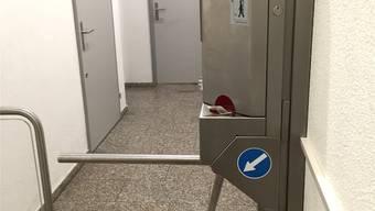 Im Migros Löwenzentrum wird ein Franken für die Benutzung der Toilette verlangt.