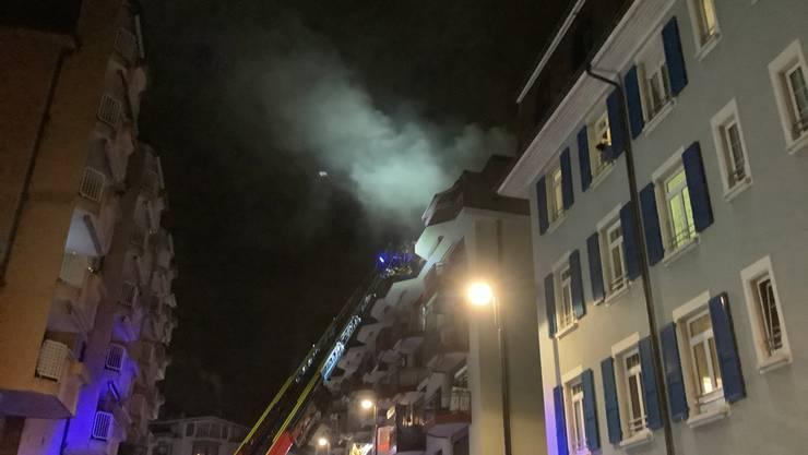 Dieses Wohnhaus in Clarens geriet am Silvesterabend in Brand.