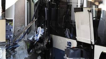 Schwere Schäden nach Busunfall
