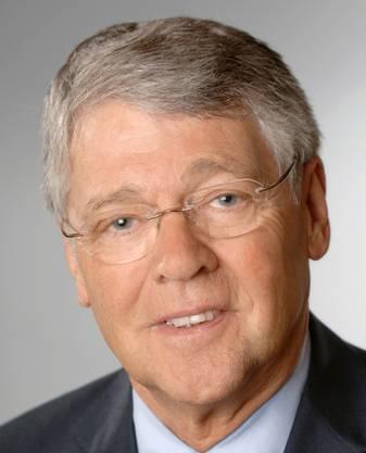 Der 78-jährige Prof. Dr. Dr. Detlef Junker ist Gründungsdirektor und Leiter des Heidelberg «Center for American Studies». Zu seinen Schwerpunkten in Forschung und Lehre gehören unter anderem die amerikanische Geschichte des 20. Jahrhunderts. 1975 folgte Junker einem Ruf an die Universität Heidelberg, wo er am Historischen Seminar bis 1994 Professor für Neuere Geschichte war. In den folgenden fünf Jahren leitete er als Direktor das Deutsche Historische Institut Washington. Junker wurde 2005 Ehrendoktor der University of Maryland. 2010 wurde er für seine Verdienste um die deutsch-amerikanischen Beziehungen mit dem Bundesverdienstkreuz ausgezeichnet.