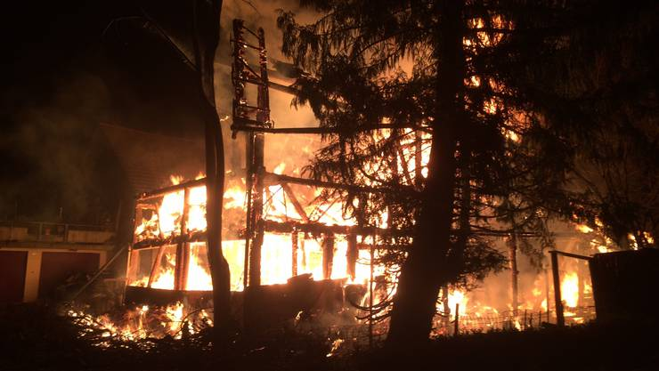 Das Feuer war im Haus in Boswil am frühen Freitagmorgen ausgebrochen.