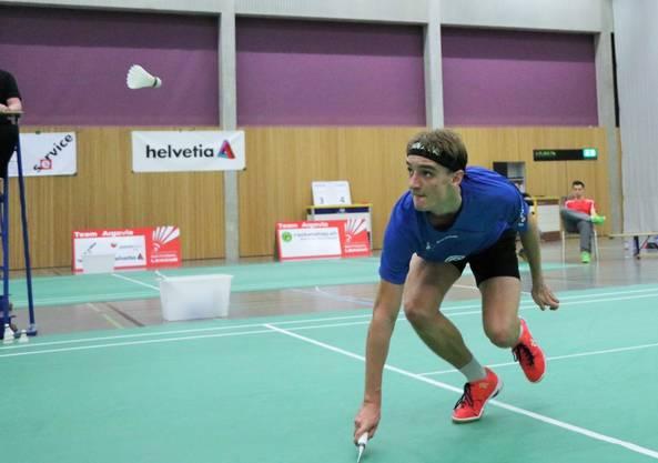 Tobias Künzi in Aktion. Der Schweizer Badmintonspieler hat in der laufenden Saison noch kein Einzel verloren.