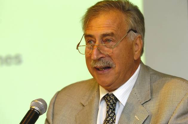 Ernst Thomke fusionierte die Ebauches-Betriebe zur ETA, stand der SMH 1984 bis 1991 als Generaldirektor vor und brachte das Konzept Swatch zum Erfolg.