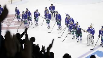 Die Spieler von La Chaux-de-Fonds ernten Applaus von den Rängen. (Archivbild)