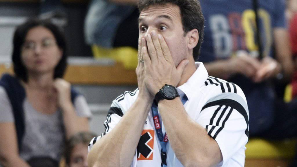 Dem Kadetten-Trainer Markus Baur steht die Anspannung ins Gesicht geschrieben