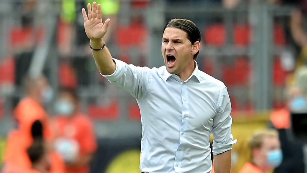 Gerardo Seoane treibt die Leverkusener an - für einmal ohne Zählbares Ergebnis