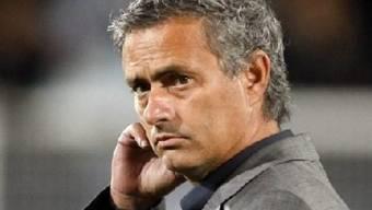 Real Madrids Coach Jose Mourinho mit skeptischem Blick