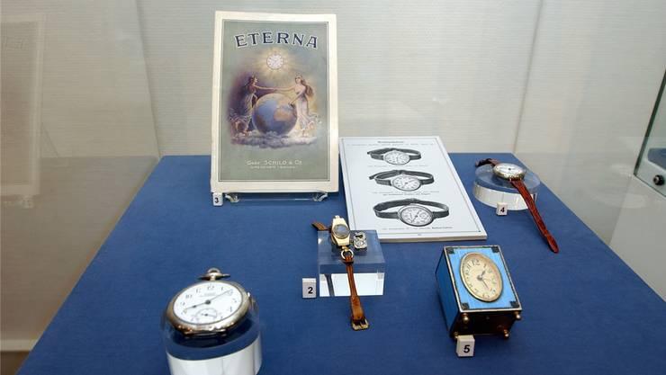 Uhren aus der Anfangszeit von Eterna. Die Marke bleibt bis auf weiteres erhalten.
