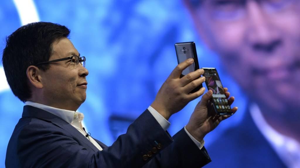 Will - oder muss - ohne Apps aus dem Hause Google auskommen: Huawei-Chef Richard Yu. (Archivbild)