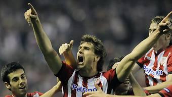 Bilbaos Llorente lässt sich nach seinem Führungstreffer feiern