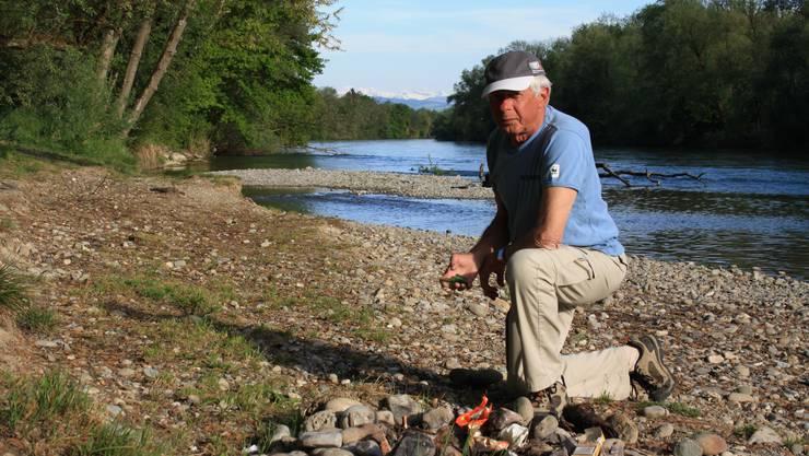 Die Reuss hat ihre Schattenseiten. Wenn sich            das Ufer in Jonen aber immer so sauber präsentieren würde, wäre Riverwatcher Mars Staufer aus Oberlunkhofen zufrieden.(Bild: sha)