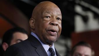 Der demokratische Abgeordnete Elijah Cummings ist ein scharfer Trump-Kritiker und hat zuletzt Untersuchungen zu den Zuständen in Sammellagern für Flüchtlinge und Migranten an der US-Grenze angestossen. (Archivbild)