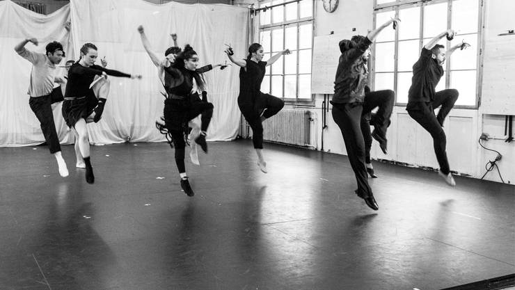 """""""Ikarus - stirb oder flieg"""" verbindet verschiedene Tanzstile und Kultursparten."""