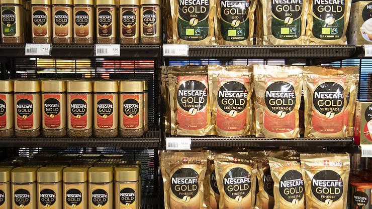 Der Nahrungsmittelkonzern Nestlé zeigt sich von der Corona-Krise unbeeindruckt und steigert die Verkäufe im ersten Quartal weiter. (Archivbild)