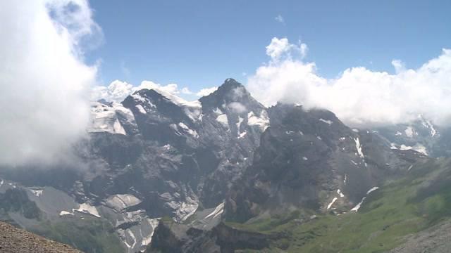 Hitze setzt auch dem Eis auf den Bergen zu