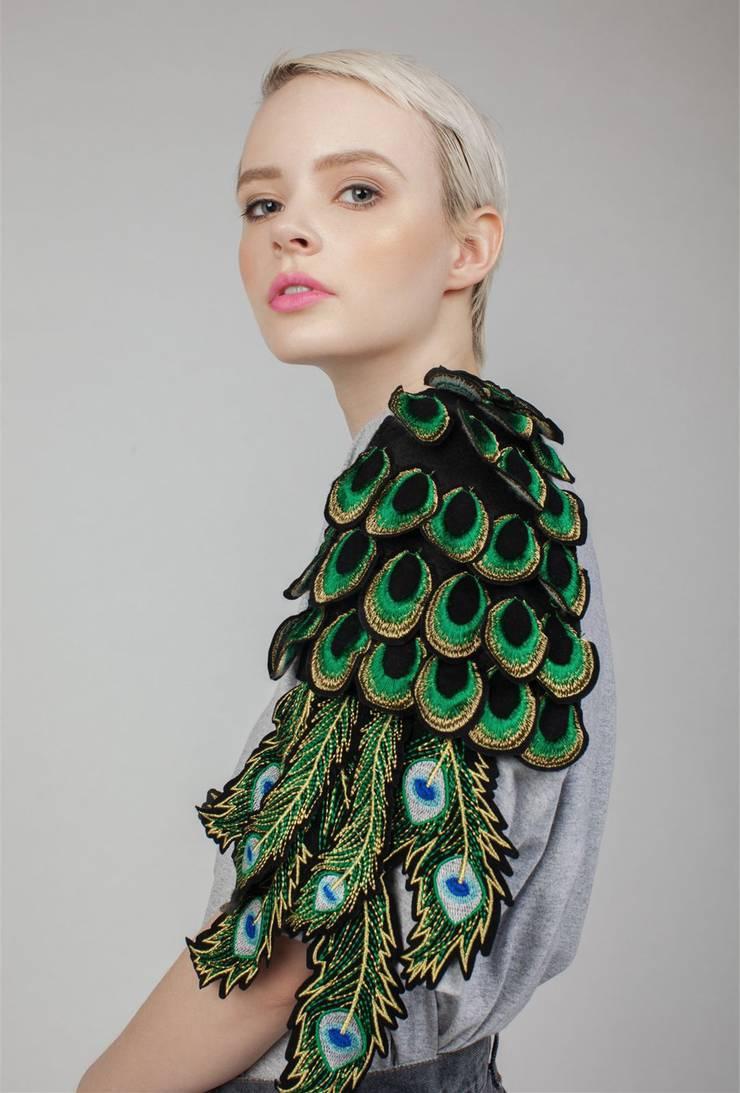 Pfauen-Shirt von Ragyard: Fremde Federn sind wieder in Mode (siehe Box am Textende).