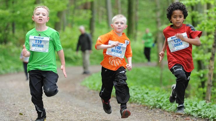 Diese Kinder mussten im 2014 ohne offizielle KNOLICUP-Startnummer durch die Wälder rennen.