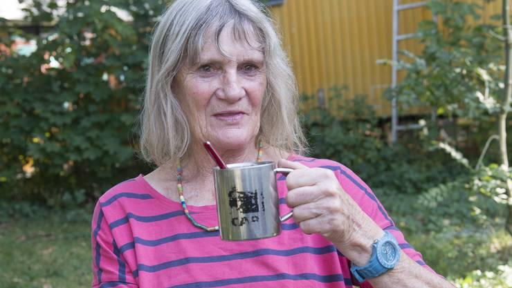 Heute lebt die 71-jährige Doppelbürgerin in einem Campingwagen bei Solothurn.