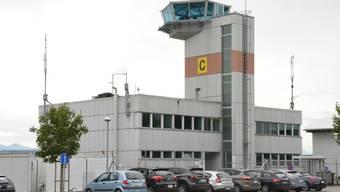 Auf dem Flugplatz Payerne VD ist in der Nacht auf Mittwoch ausnahmsweise ein Spezialflugzeug aus Spanien gelandet. An Bord hatte es ein Organ für eine wichtige Operation in einem Westschweizer Spital. (Archivbild)