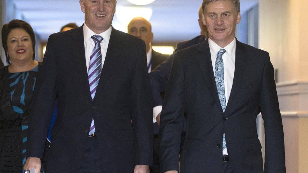 Der Vorgänger und sein Nachfolger: Bill English (rechts) wird Neuseelands neuer Regierungschef anstelle des zurückgetretenen John Key. (Archivbild)