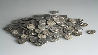 293 Silbermünzen – Ein neuentdeckter römischer Münzhort in Pratteln.