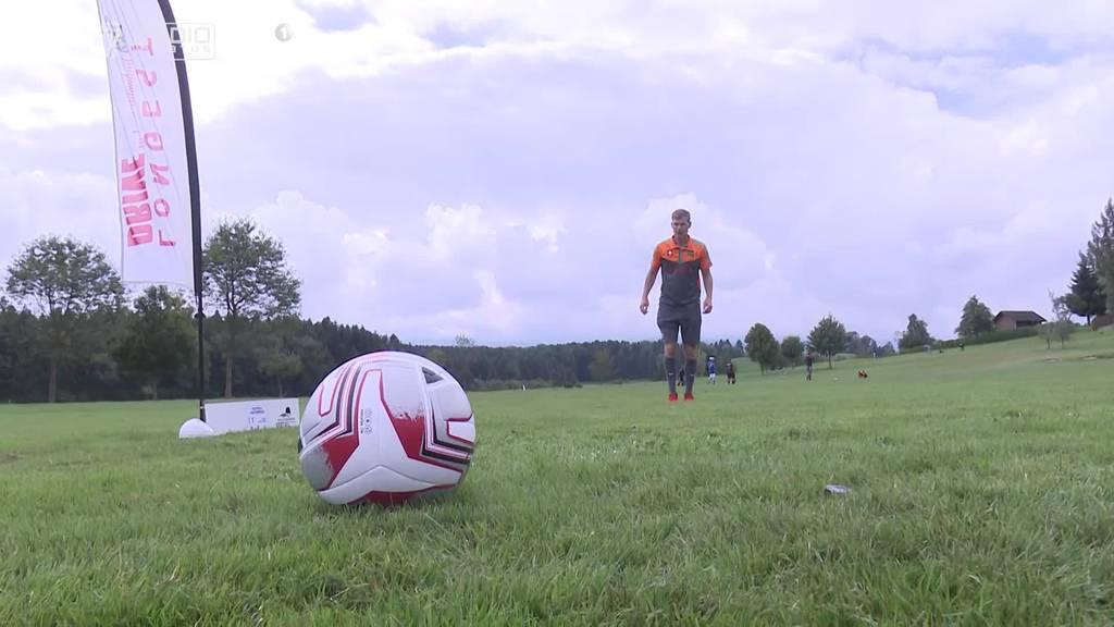 Kombination aus Golf und Fussball: In Neuenkirch wird Footgolf gespielt