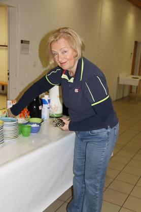 Renate Lang organisiert das Zmorgebuffet