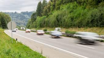 Die Autobahn A1 bei Suhr: Hier wurde der Drängler von einer Polizeipatrouille gefilmt. (Symbolbild)