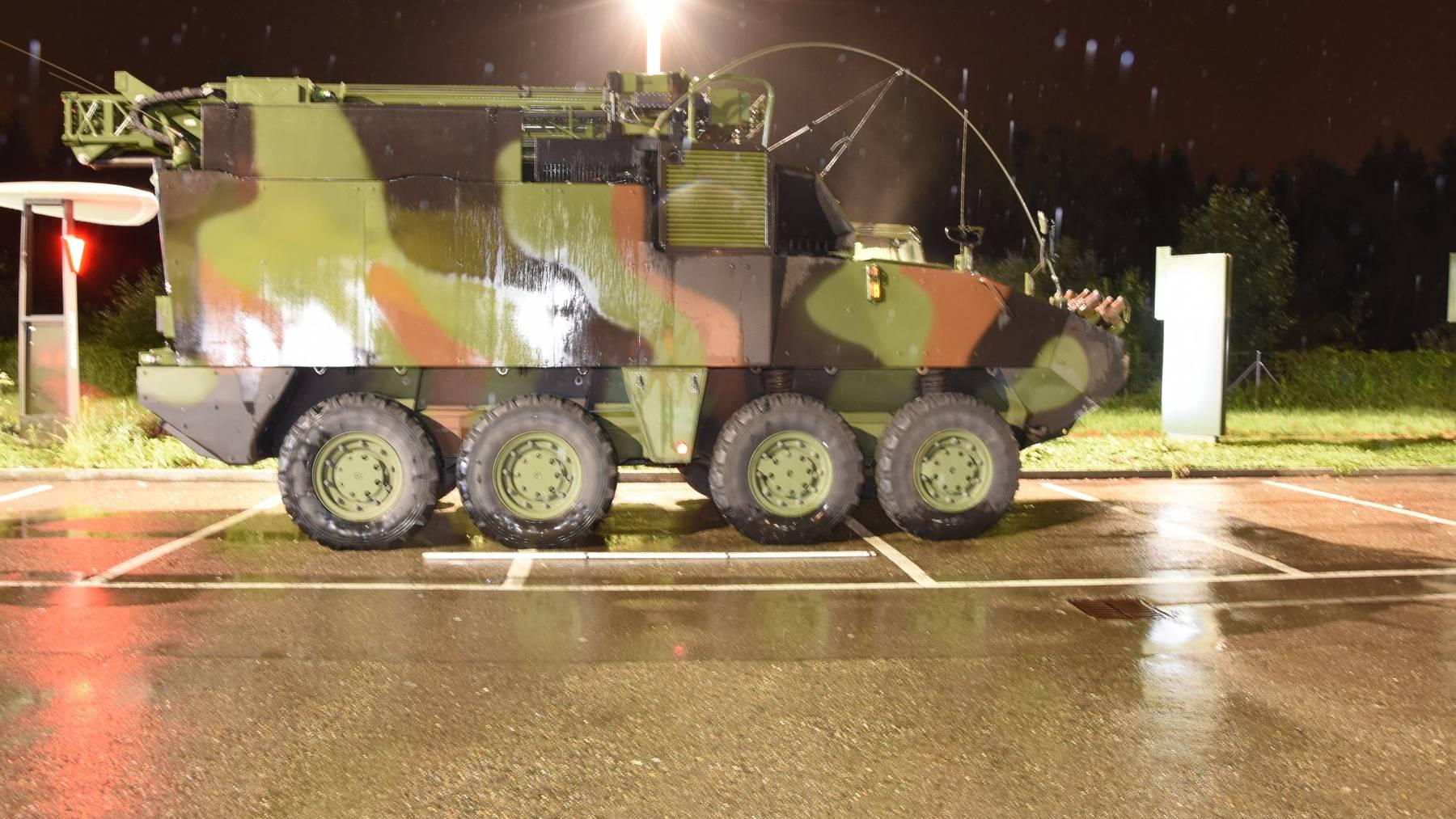 Am Donnerstag kollidierte dieser Panzer mit einem Auto.