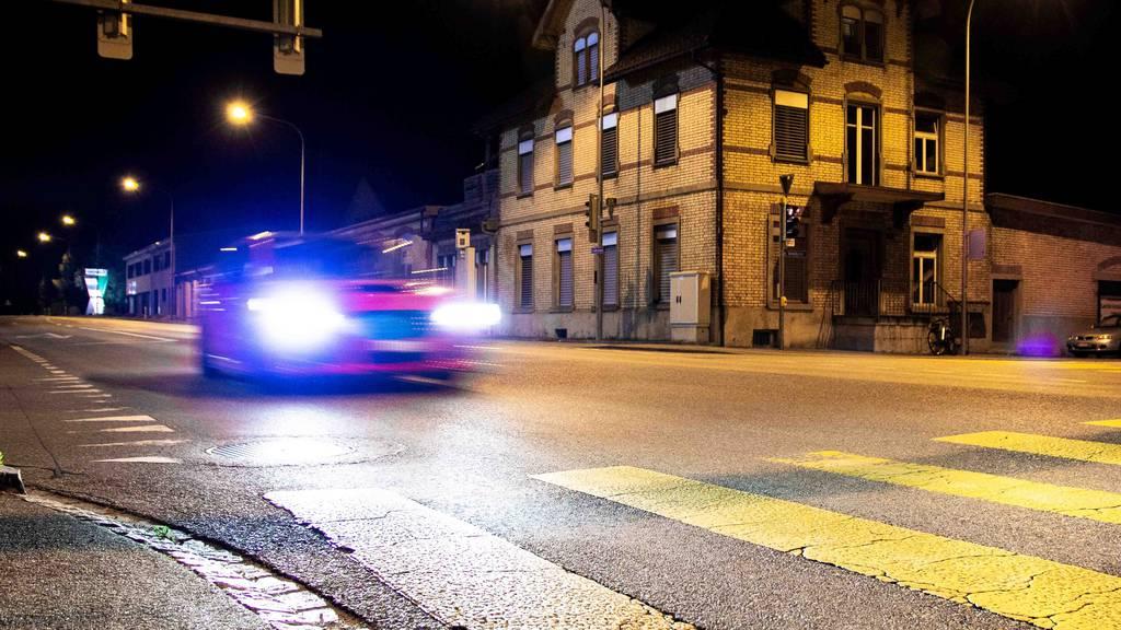Polizist mit Böller beworfen – 23-Jähriger gesteht Angriff