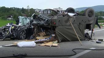 Zwei Frauen sind bei dem Unfall auf der A1 ums Leben gekommen.