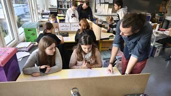 Die Kostenentwicklung der Grenchner Schulen beschäftigt den Gemeinderat. Archiv
