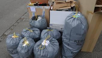 Mit dem Abfall- und dem Gebührenreglement gehen zwei Dokumente in die Vernehmlassung. (Symbolbild)