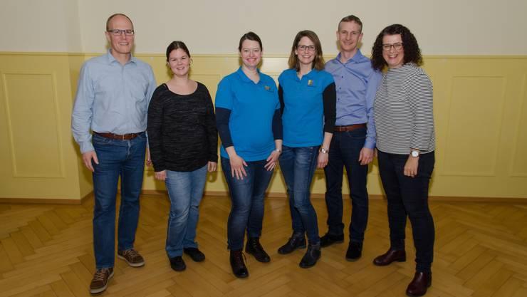 von links nach rechts: Daniel Morand (Internes), Carmen Schumacher (Kassiererin), Yvonne Bieri (Werbung), Andrea Schenker (Präsidentin), Bruno Hauser (Aktuar), Sarah Fasnacht (Dirigentin)