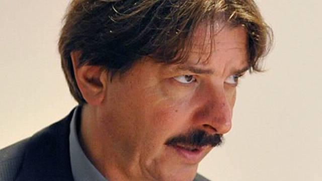 SGB-Präsident Paul Rechsteiner vor den Medien