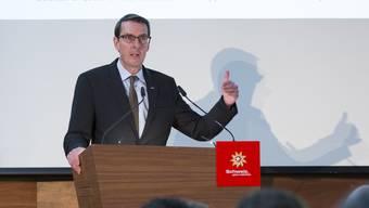Die Umsetzung der SVP-Zuwanderungsinitiative ist für Andreas Züllig, Präsident von Hotelleriesuisse, ein Bürokratiemonster und komplett übers Ziel hinausgeschossen.