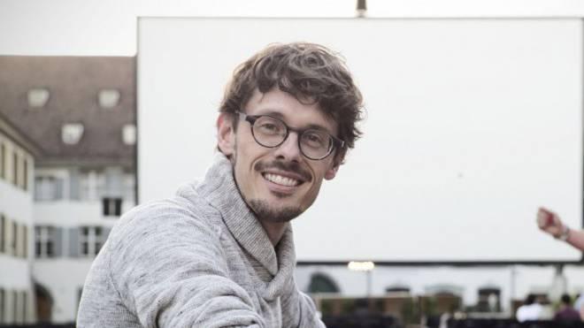 Der Basler Giacun Caduff (37) glaubt an das Unmögliche – und hat einen Film mit Jane Birkin gedreht. Foto: ROLAND SCHMID
