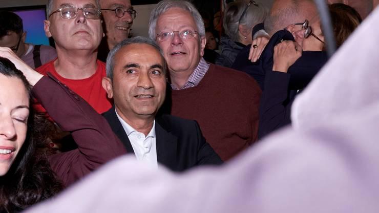 Überraschung und Freude mit SP-Kandidat Mustafa Atici (Mitte).