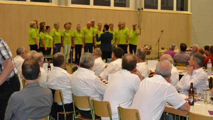 Stellvertretend für alle Chöre: Der Gemischte Chor Neuendorf