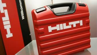 Der Liechtensteiner Baugerätehersteller Hilti ist im vergangenen Jahr kräftig gewachsen und hat einen neuen Rekordumsatz von 5,66 Milliarden Franken erzielt. (Archiv)