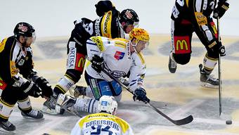 Lugano geht im Tessiner Derby als Sieger vom Eis