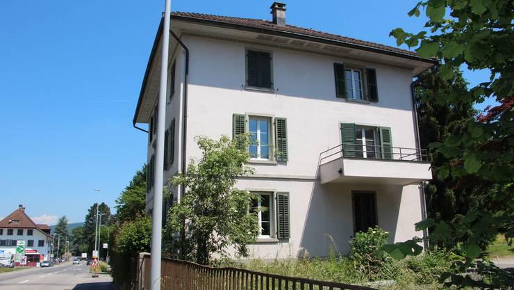 Das Doktor-Meyer-Haus an der Niederlenzerstrasse in Lenzburg kann ab Ende September in zwei Wohnungen Asylbewerber aufnehmen.