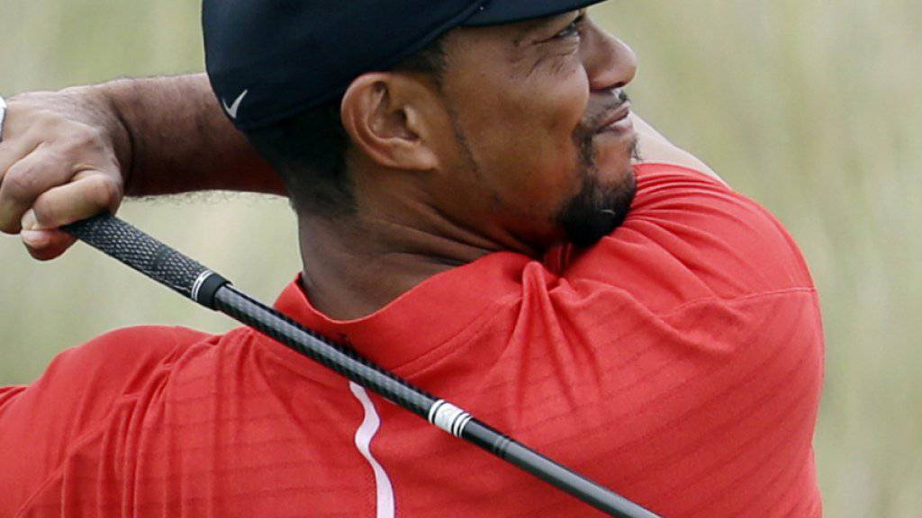 Die vielen extremen Drehungen der Wirbelsäule haben Tiger Woods schwer zugesetzt