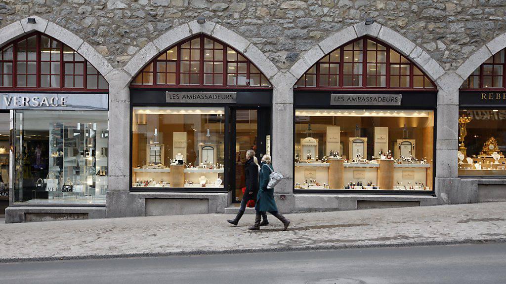 In St. Moritz fehlen derzeit wegen der Coronakrise die Touristen. Doch die aktuelle Buchungslage lässt die Touristiker hoffen. (Symbolbild)
