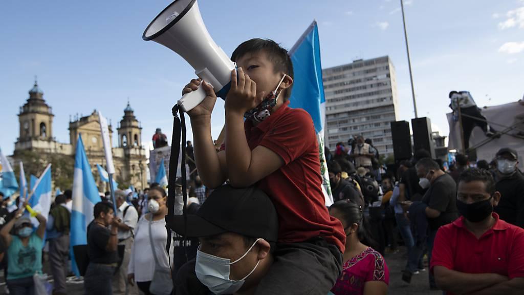 Erneut Zusammenstösse bei Protesten gegen Regierung in Guatemala