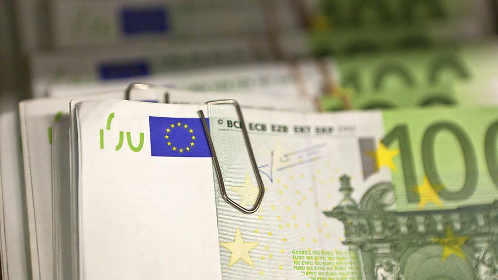 Die in Toiletten gefundenen Euro-Geldscheine stellen die Genfer Ermittler vor ein Rätsel. (Symbolbild)